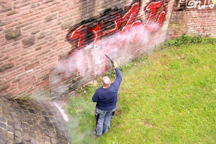 Graffiti Removal Services in New Castle